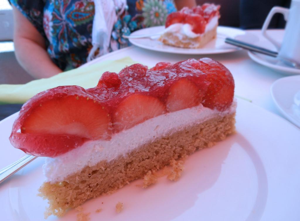 Erdbeerentorte_Oma1